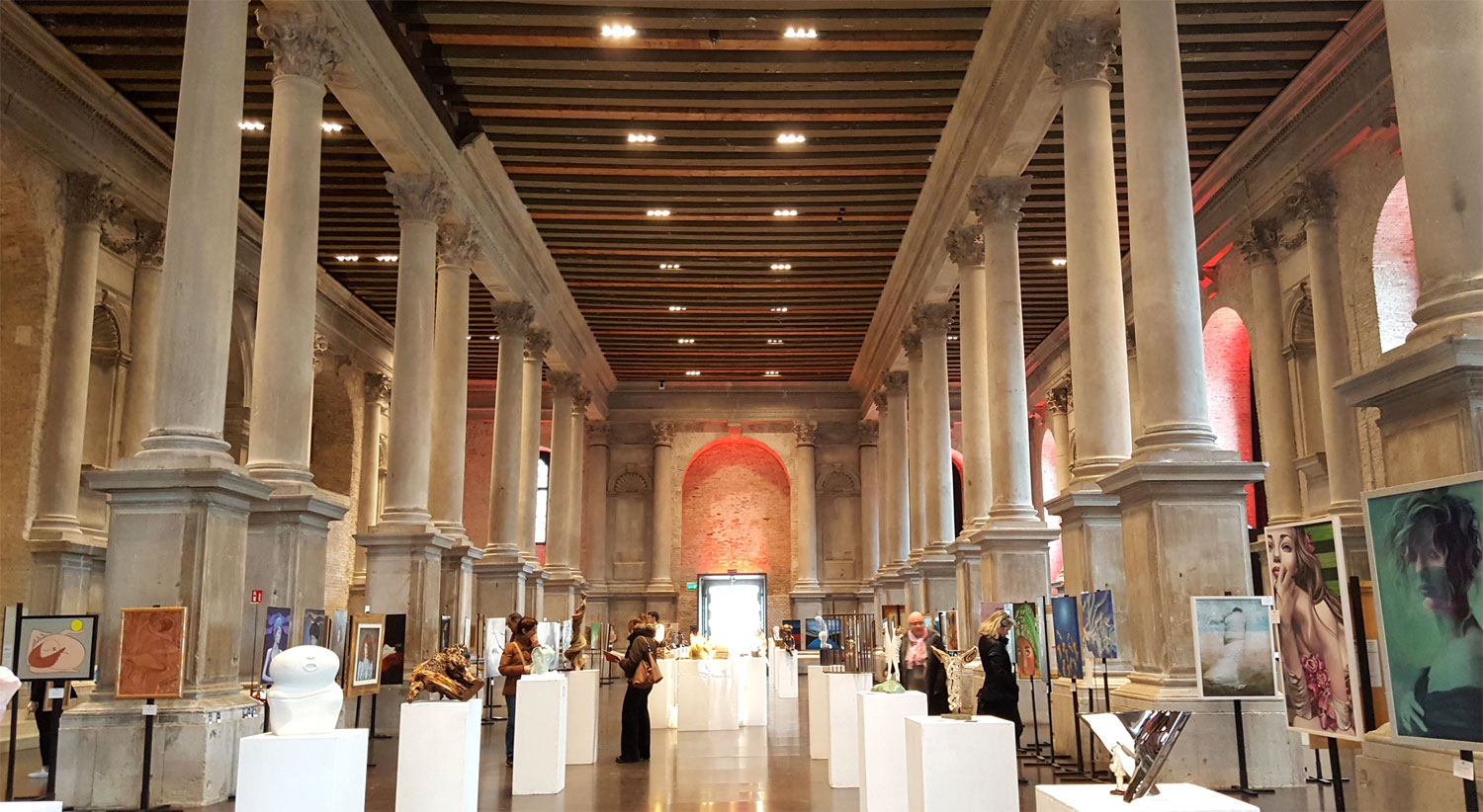 Venezia-art-expo-hall